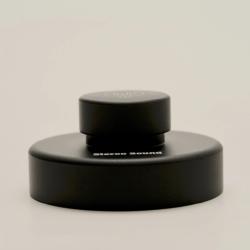 取り扱いやすいツマミ部分は、15mmの段差が設けられています